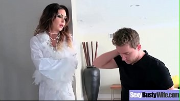jessica jaymes housewife with gigantic juggs love intercorse.