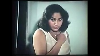 tamil elder actress display raw nip