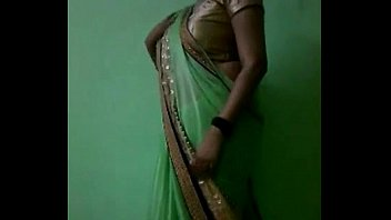 indian bhabhi in sari unwrapping nude.