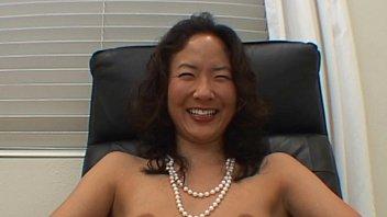 japanese dame slurping weenie