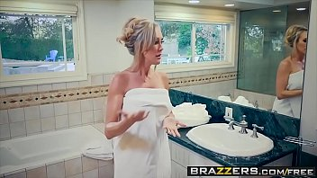 brazzers - mom got udders - brandi love.