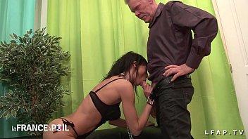 1st casting bootie plowing mature francaise en underwear.