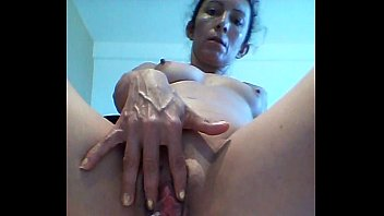 colombian wifey lucy love to spray