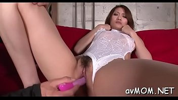supah-hot cougar gets on knees to absorb in.