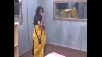 kannada actress malavika avinash smooch in.