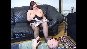 round mistress039_ pantyhosed feet is slurped.