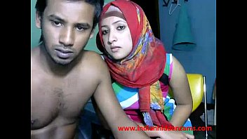 freshly married indian srilankan duo live on webcam display