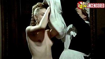 emmanuelle beacute_art nude sequences in un amour interdit 1984