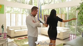 puremature monstrous-boobed cougar real estate agent romi rain.