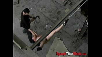 dungeon space tormentor lashing his cherry victim during playtime