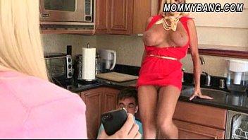 rikki six caught her boyfriend with her step-mom.