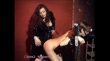 the domina jessica plumbs her intimate marionette in.