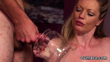 nasty idol gets mancum fountain on her face.