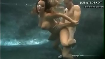 under water fuckfest with socket fuckingpani.