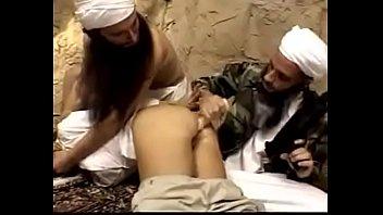 christian reporter luvs muslim jizz-pump