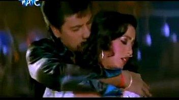 crimson-hot bhojpuri song   chhula chhula aage.
