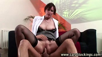 fellow gets a dt from euro honey in pantyhose