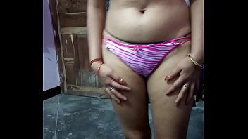 meenu bhabhi revealing herself in front of spouse mates