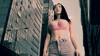hong kong giantess
