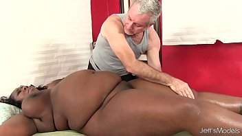 yam-sized bellied ebony gal daphne daniels gets a.