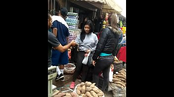 paseando por el mercado me encontre.