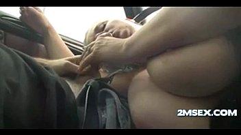 gal avec de gros seins tente sperme - 2msexcom