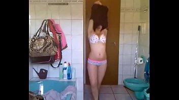 desi indian female aishwarya with bomb-body providing striptease.