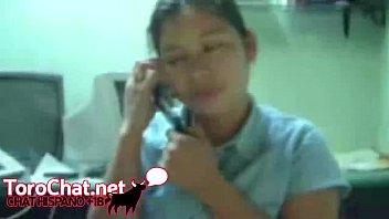 hablando por telefono y mamando verga.