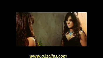 mahima chaudhary - dobara - cleavage.