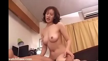39yr elder japanese mother luvs not her sons-in-law.