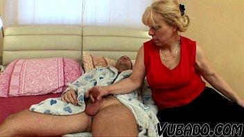 mature gal providing fellatio 039_till cum.