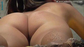 sentilde_ora nalgona en playa nudista
