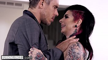 joanna angel wants bum pulverizing to spice it.