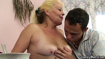blond aged mature gets her unshaved.