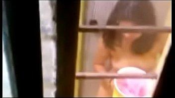 espiando a vecina e el bantilde_o