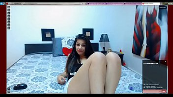 latina displays cooch and feet - more at nicefootjobscom