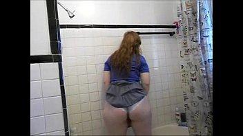 lush female tub piss