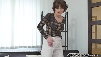euro cougar alice acute works her snatch with.