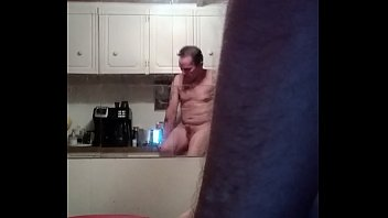 solo masculine getting off