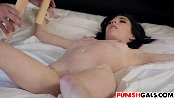 toying muddy games with jenna reid