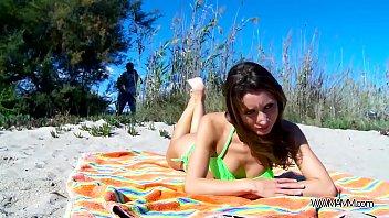 brilliant stunner rip up on public beach sans.