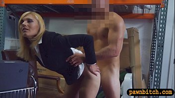 torrid ash-blonde cougar pawns her coochie at the.