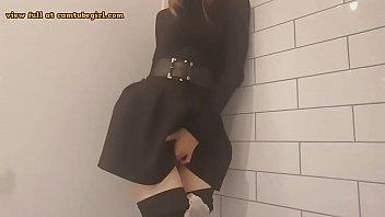 masturbation in the restaurant douche cam