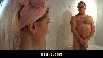 supah-naughty motel maid plumbs an oldman.