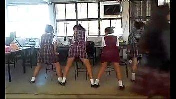 colegialas perreando en eacute_l saloacute_n de.