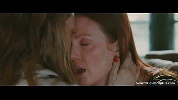 julianne moore amanda seyfried in chloe.