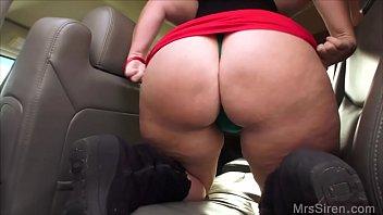 wifey jacks in back seat in.