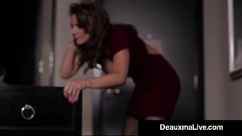 giant-boobed texas cougar deauxma screws her motel guest.