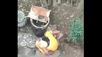 desi gal urinating outdoor