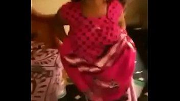 desi bhabhi displaying her hooters